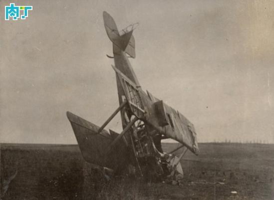 一架坠毁的德国水上飞机
