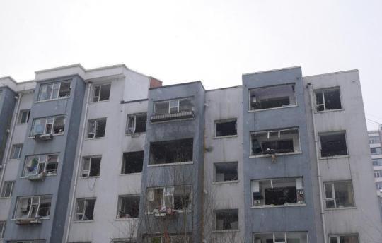 吉林一小区发生天然气爆燃 百余户居民家遭波及
