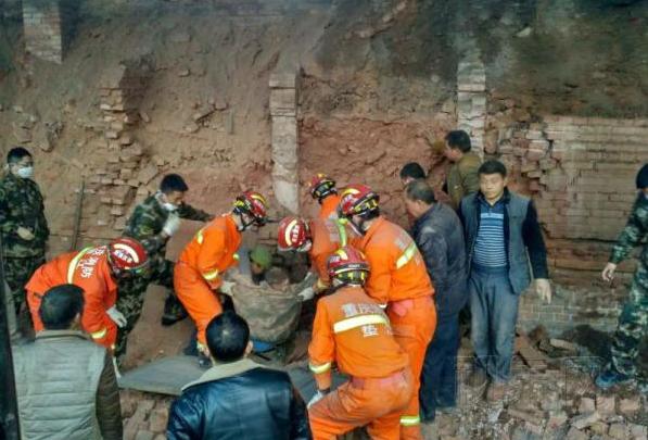 重庆垫江一砖厂发生垮塌事故 致4人遇难1人重伤