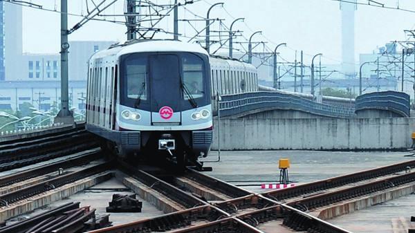 轨交18号线迎春路站6月底可见车站主体轮廓