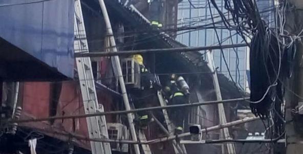 黄浦一处老式民宅发生火灾 未造成人员伤亡