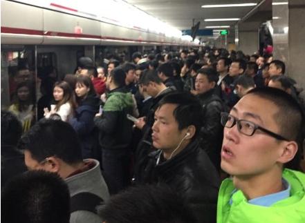 沪地铁1号线今早高峰突发故障限速运行 目前已恢复
