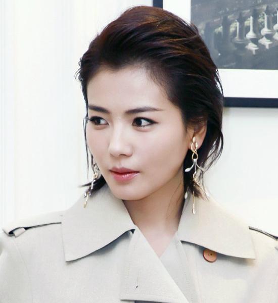 刘涛蔡依林换上这款新发型 帅气总攻轻松上线