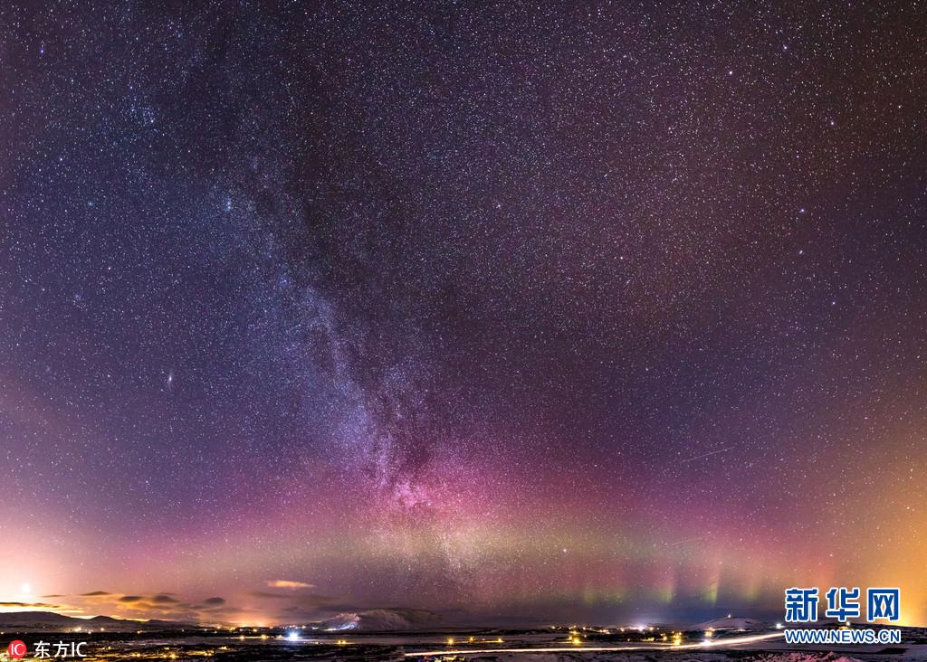 震撼!摄影师冰岛拍摄美丽北极光(组图)