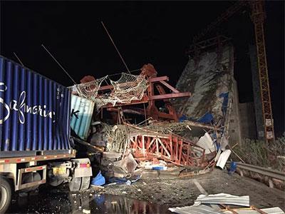 福建龙岩一在建高架桥断裂致7人受伤 事故原因正在调查
