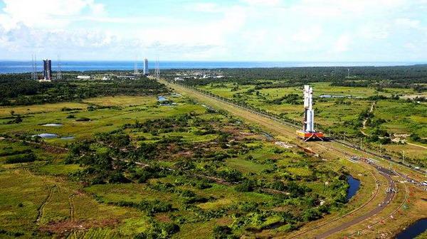 长征七号遥二火箭运抵文昌发射场 天舟一号4月牵手天宫二号
