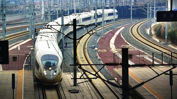 全国铁路将实行新的列车运行图 开行旅客列车数将达3615对