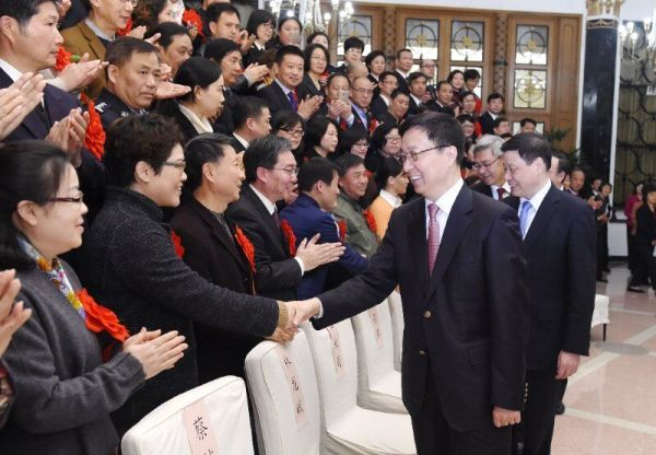 韩正应勇会见上海市老干部工作先进集体和先进个人代表