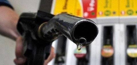 """成品油价或迎""""二连跌"""" 机构预测将创年内最大降幅"""