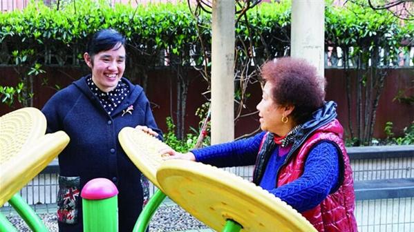 """15年服务6个居民区 """"女汉子""""书记苏嵘专解社区""""急难愁"""""""