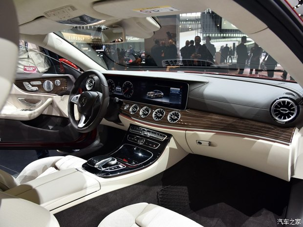 奔驰(进口) 奔驰E级(进口) 2017款 E 400 4MATIC Coupe