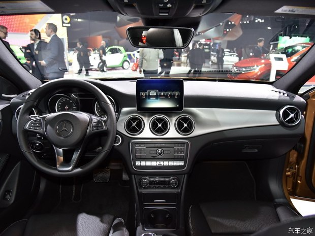 奔驰(进口) 奔驰GLA(进口) 2018款 GLA 250 4MATIC