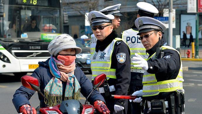"""交通大整治:从严治理一年间 上海告别""""十大堵城"""""""