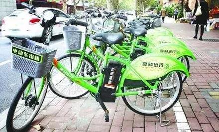 """上海市民骑共享电单车:10分钟收费77元 上班骑了""""25小时54分"""""""