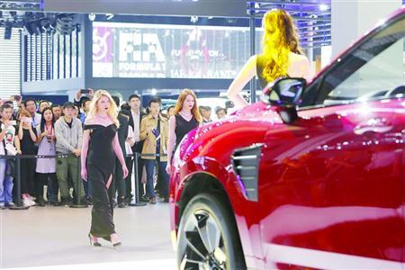 车展昨日18.5万人次观展 迎二胎7座车热销