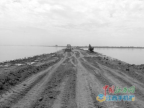 江西大明湖万亩湖面拟改农田 官方:为还灭螺贷款