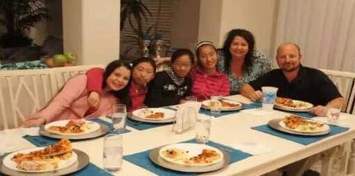 小学生为出国游学威胁父母:不让出国就跳楼