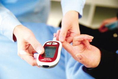 华东师大课题组报告最新成果 智能手机远程降低血糖