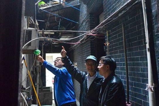 上海强化居民区书记队伍建设 小巷总理越来越年轻