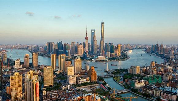 申城第三产业增加值占全市生产总值比重达到70%以上