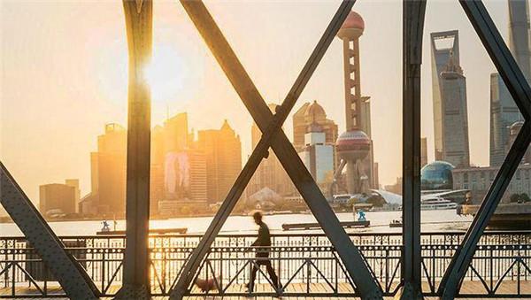 韩正描述上海未来:建筑可以阅读 街区适合漫步 城市始终有温度