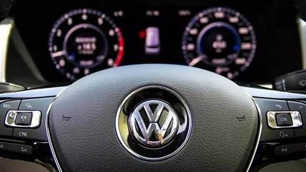 企业更名致上百辆轿车上牌受限 沪消保委约谈上汽大众