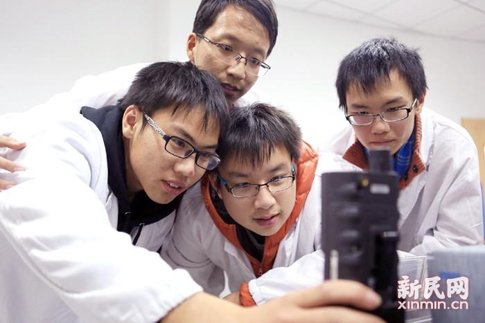 满足学生个性化需求  促进创新精神与实践能力——2020年全覆盖,沪中小学创新实验室发展进入快车道
