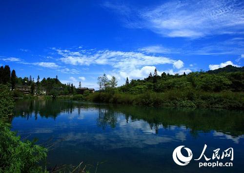 这个夏天 来一次峨眉山水与茶的美丽邂逅