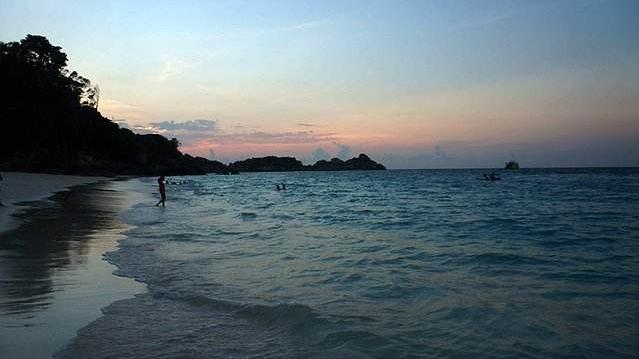 21岁中国男游客在泰国苏梅岛出海失踪 疑留下遗书