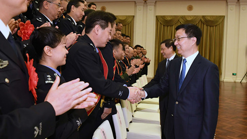 韩正应勇会见公安英模代表:努力打造一支对党忠诚、心系人民、作风优良、能打硬仗的公安队伍