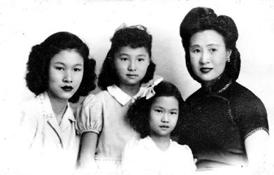 """杨雪兰:""""我的母亲严幼韵是一个明星一样的人物。"""""""