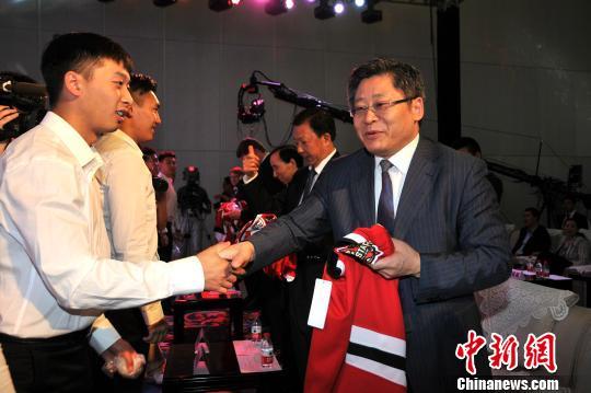 www.yl21.com点击进入黑龙江成立职业冰球俱乐部:将征战俄罗斯超级