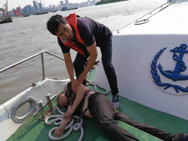 """""""海巡01030""""海事巡逻艇今天两次应急 救了三条命"""