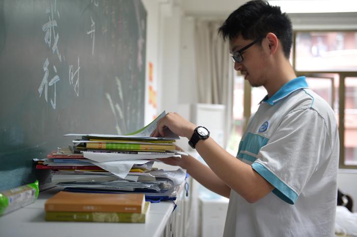 新中高级梦想:今天,我为中学努力前行_传媒教关于的v梦想身高高中生图片