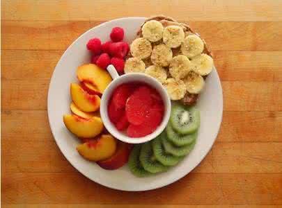 """全吃素好吗? """"餐盘理论""""倡导每餐只需半数是蔬果"""