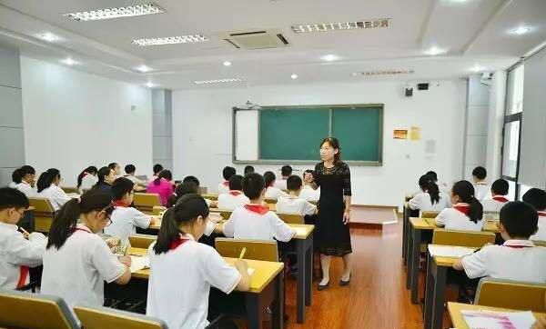 教学有效,就是教学有爱——记上海民办华二初级中学展示活动