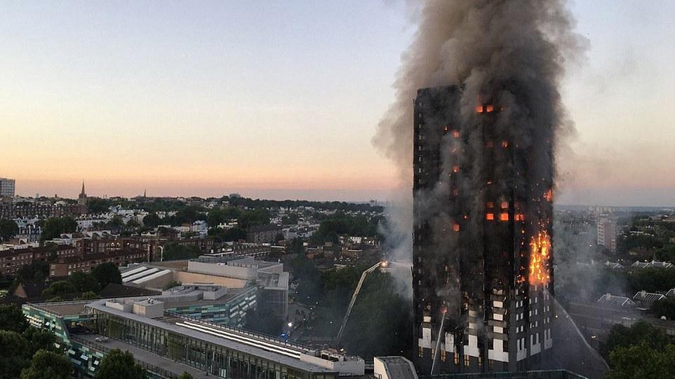 伦敦一大楼严重火灾 至少30人被送往附近5家医院急救