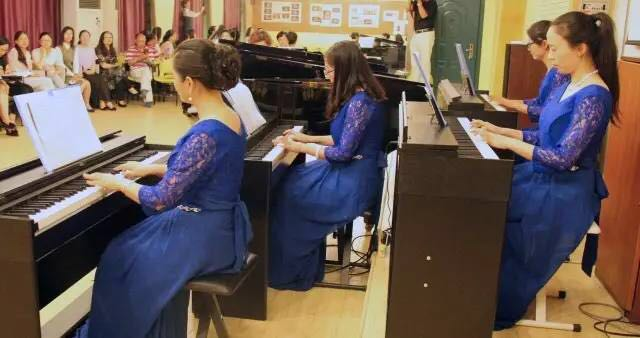 """文来高中""""悦 琴""""教工钢琴社团汇报演出圆满落幕"""