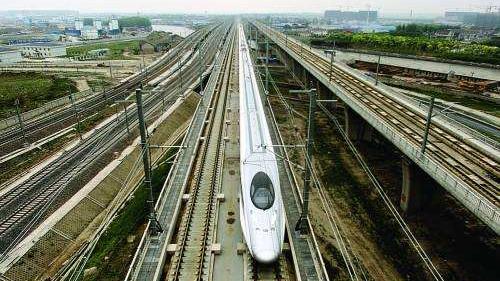 铁路暑运上海三大火车站将开出7个学生票专窗 实习地往返学校不能买学生票