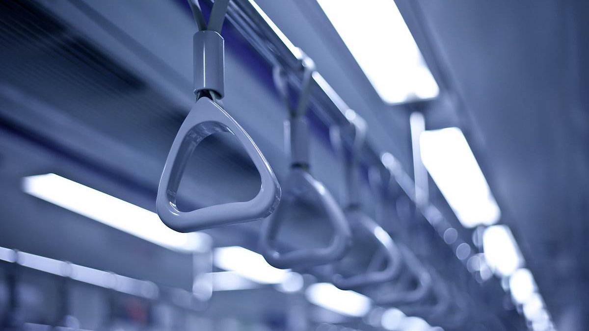 山东青岛地铁11号线隧道发生翻车事故 造成3人死亡