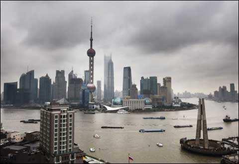 今天阴有阵雨或雷雨 最高温度27°C
