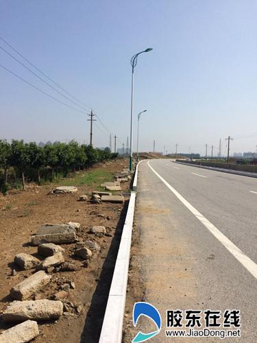 5.6公里新换路缘石扮靓福山S210(图)