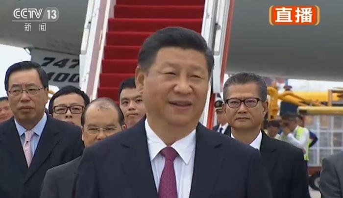 习近平抵达香港发表讲话:香港发展一直牵动着我的心