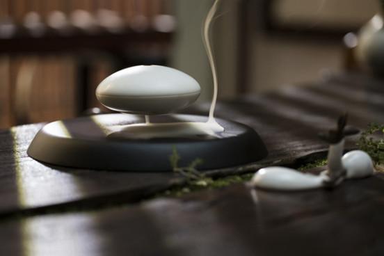 香薰也玩悬浮 在家冥想练瑜伽更有范儿