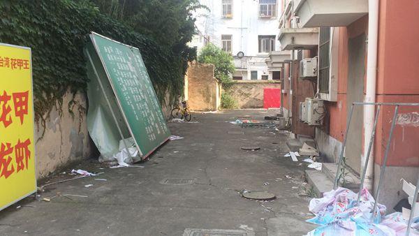 上海松江乐都路昨夜现死婴 19岁女子已被警方控制