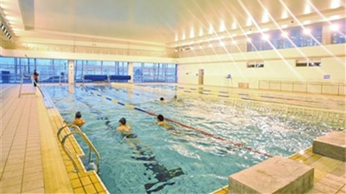 上海卫生部门抽检467家游泳场所 11家不合格(附表)