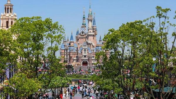 """人均消费2000多元!数据显示上海迪士尼成旅游""""吸金黑马"""""""