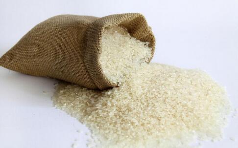 湖南上千吨霉米被包装后重新出售 当地公安部门已介入调查