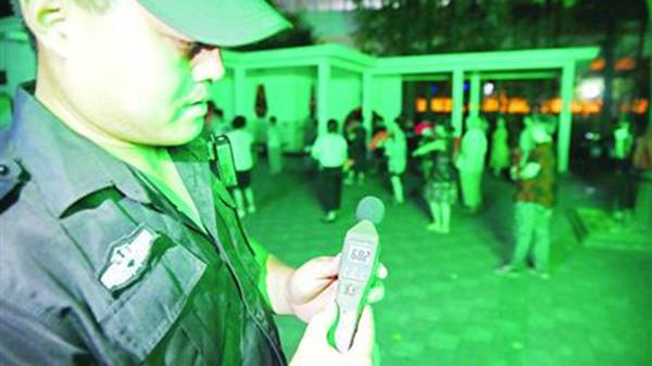特勤保安常驻公园 沪普陀区执法创新解扰民顽疾