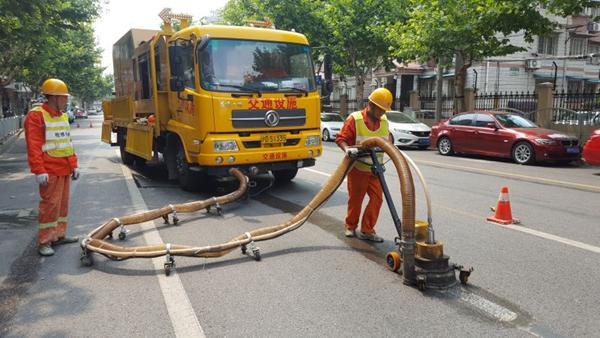 上海纠错道路标线有新技术 路政部门邀市民共同参与